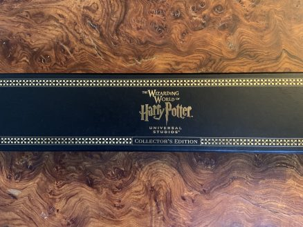 Genuine Universal Studios Harry Potter Collector's Edition Black & Gold Wand